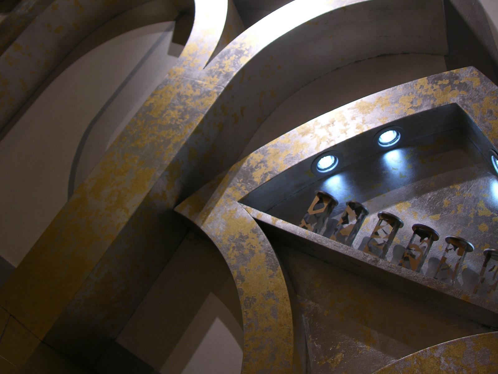 Foglia argento e oro, stand fiera, Milano